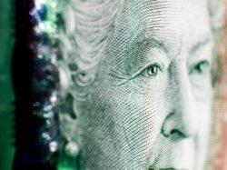 Le dollar canadien appelé à chuter face au billet vert