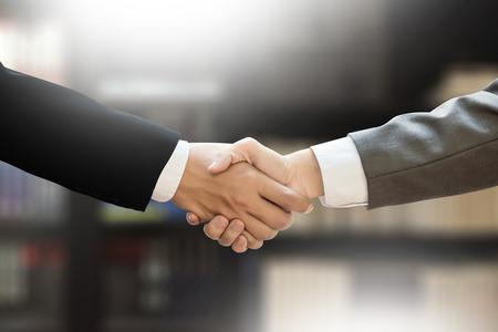La Caisse et KKR acquièrent un courtier d'assurance américain