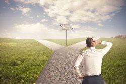 Reconversion professionnelle : choisir les services financiers