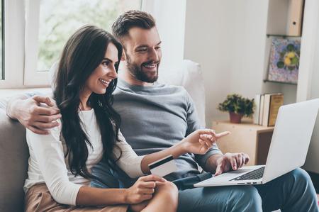 Les femmes prennent (aussi) les décisions financières du couple