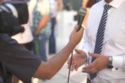Collaborer avec les médias : une occasion de démontrer son savoir-faire