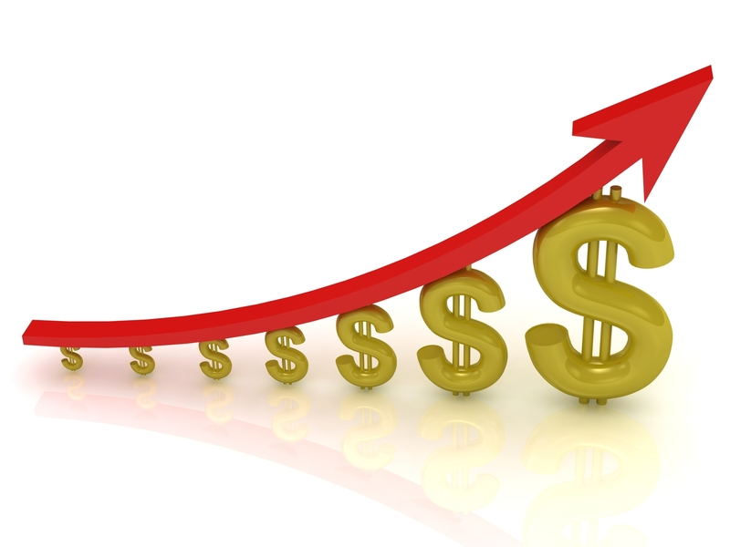 Des signes de dollars de plus en plus gros, une flèche ascendante posée dessus.