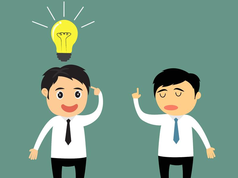 Deux petits personnages un avec une ampoule au-dessus de la tête et l'autre semblant lui dire qu'il s'agit d'une mauvaise idée.