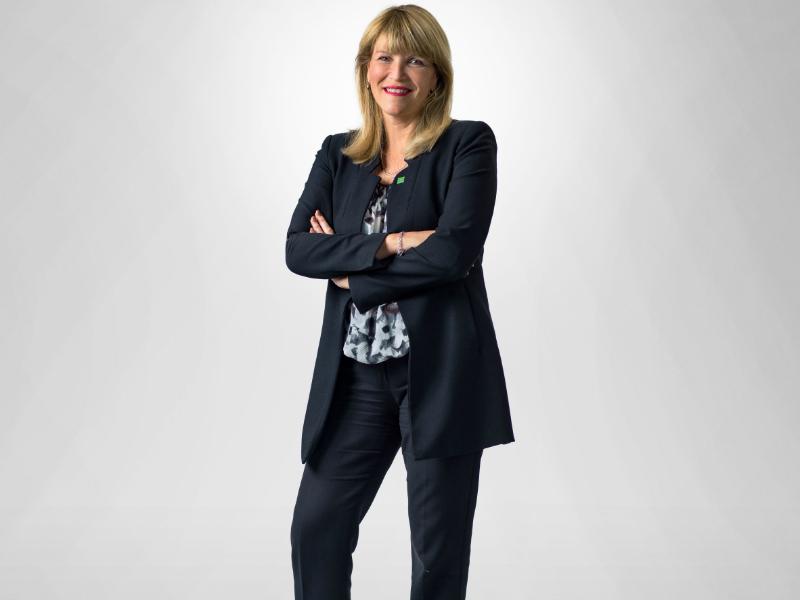 Une photo portrait de Sylvie Demers.